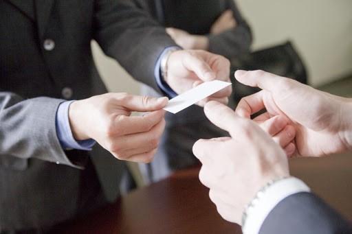 Etiquette in a Card